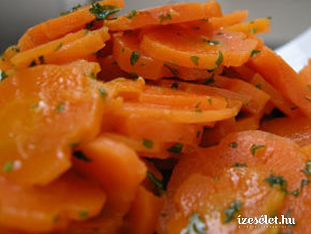 Édes-savanyú, pácolt sárgarépa