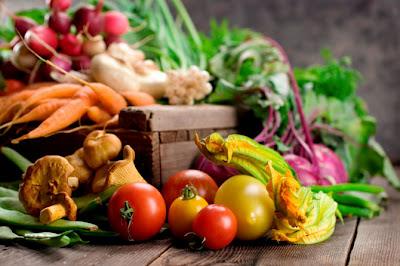 Mennyi salátát kell ennünk, hogy fiatalon tartsuk az agyunkat?