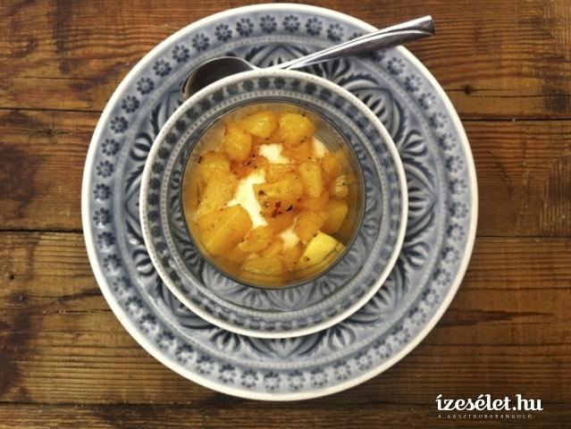 Fűszeres, karamellás sült ananász