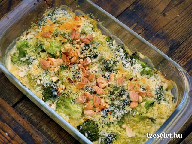 Gorgonzolakrémes, morzsás brokkoli