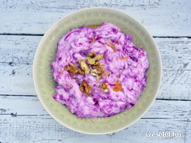 Joghurtos, fokhagymás cékla