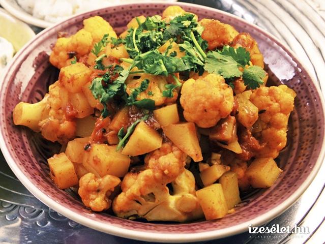 Fűszeres, burgonyás-karfiolos indiai egytálétel (Aloo gobi)