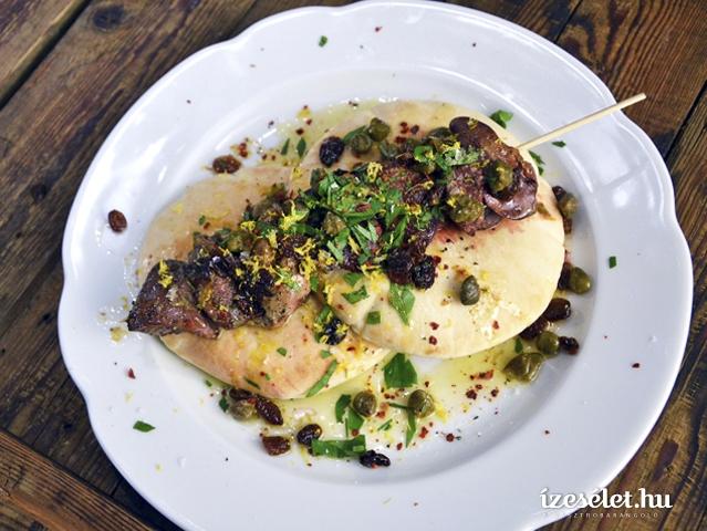Grillezett csirkemáj petrezselymes vajjal