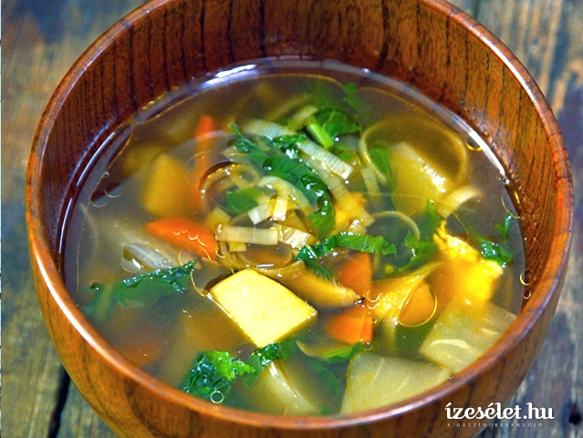 Gyökérzöldség leves - Kenchinjiru