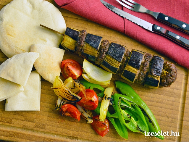 Padlizsános kebab