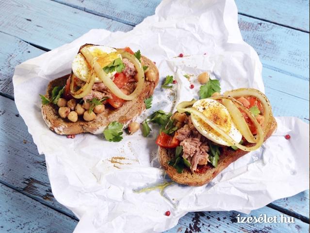 Tunéziai csicseriborsó saláta