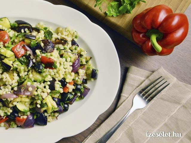Tarhonyasaláta grillezett zöldségekkel