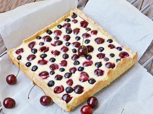 Krémes, gyümölcsös pite