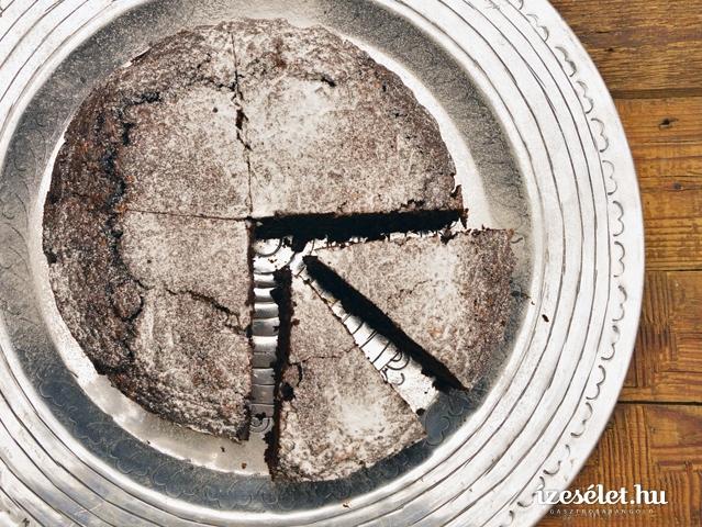 Cukkinis-csokoládés sütemény