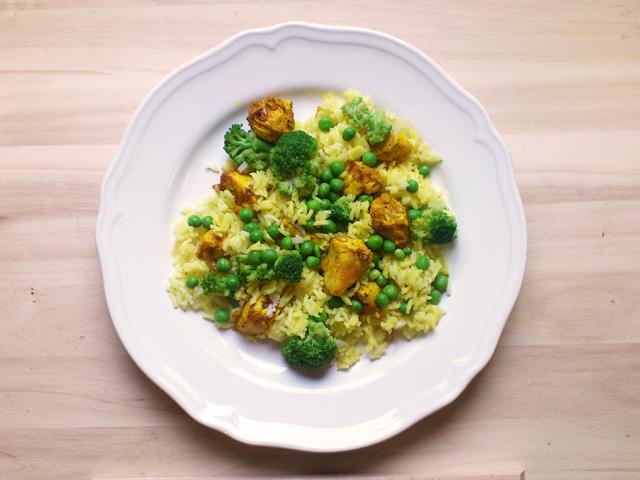 Brokkolis, csirkés piláf