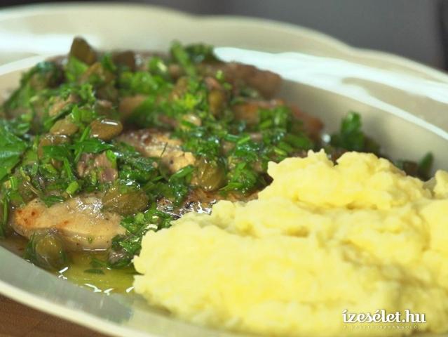 Serpenyős sertéskaraj klasszikus zöldfűszer mártással