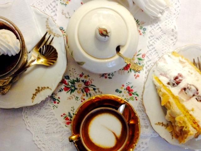 Három csodaszép vasárnapi tányér - meg ami rajta van