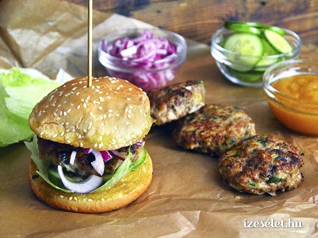 Csirke- és gombahamburger sárgabarack chutney-val