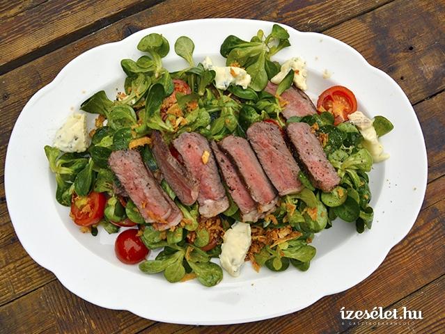 Francia steak saláta