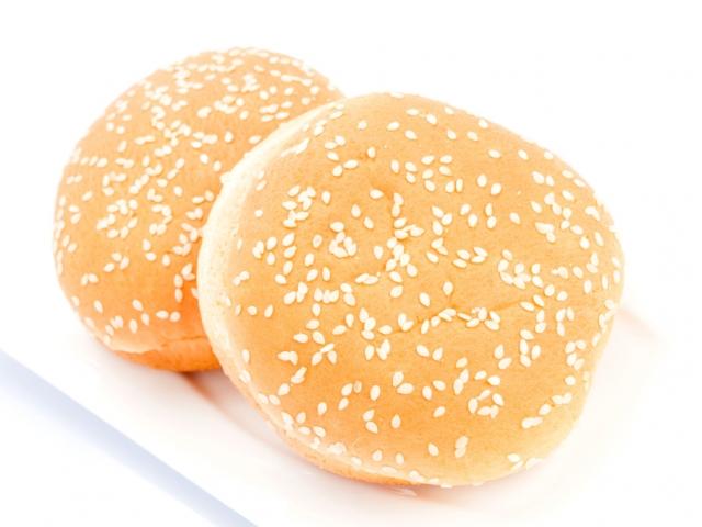 Vegán burgert tesztel a népszerű gyorsétterem-lánc Mc Veggie néven