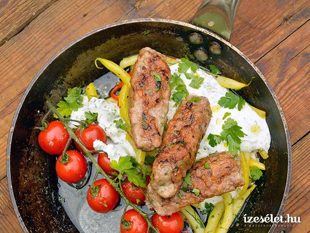 Csevapcsicsa és joghurtos zöldbabsaláta