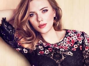 Scarlett Johansson, a tökéletes háziasszony