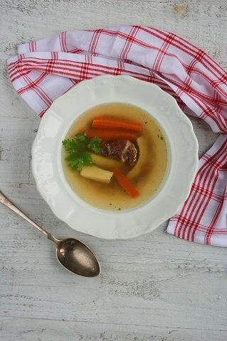 1000 forintos menü: kacsaaprólék leves és túrós palacsinta