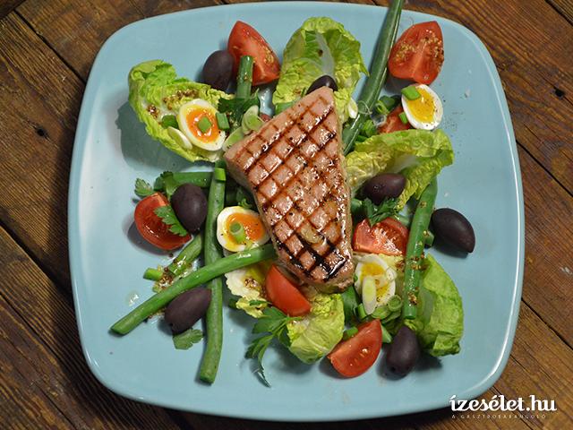 Zöldbabos tonhalsaláta
