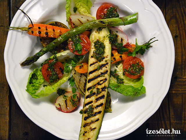 Grillezett tavaszi saláta