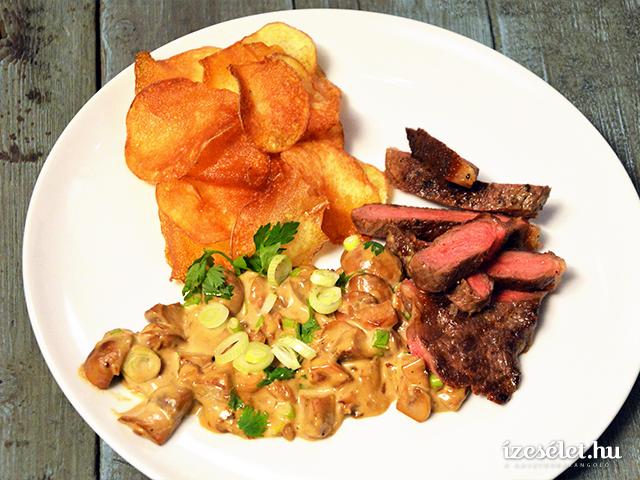 Steak gombamártással, burgonyachips-szel