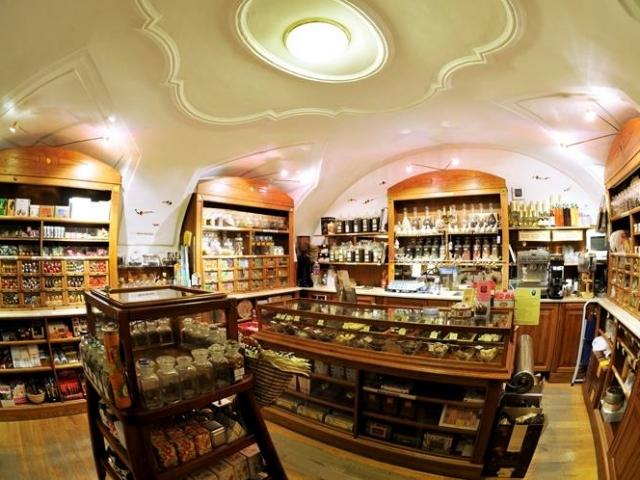 Édeni édességek boltja, Szentendre