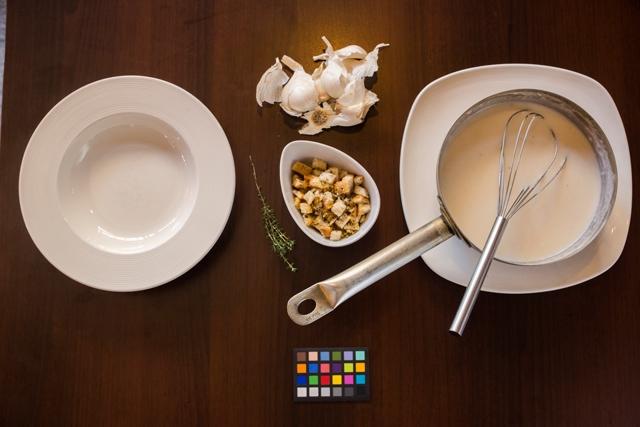 Konyhasuli franciául: Fokhagymakrémleves (Soupe a l'ail)