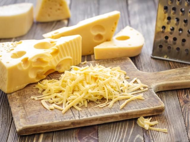 Így reszeljünk lágy sajtot