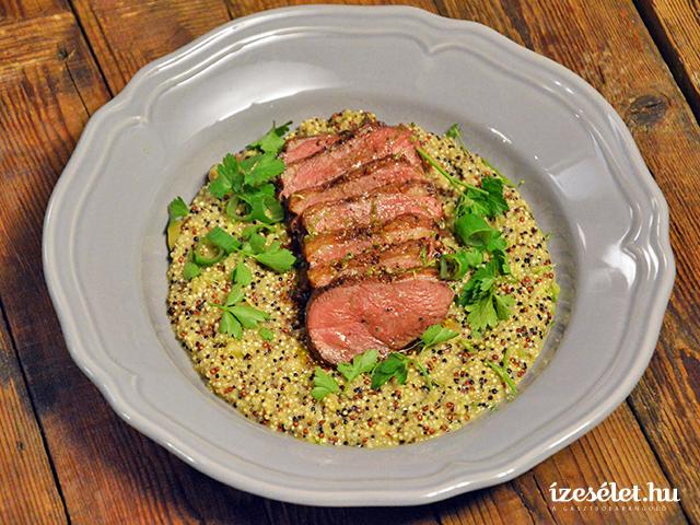 Rozé kacsamell rebarbarás quinoával és nyári salátával