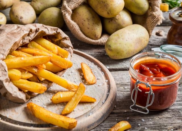 Így készíti Nigella Lawson a sült krumplit