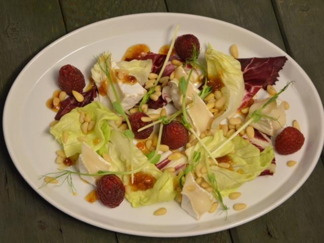 Málnás kecskesajt saláta fügelekvárral