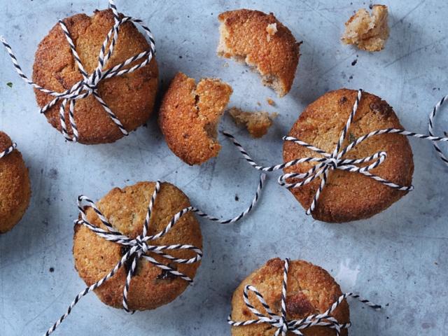 """""""Mentes"""" keksz kókusszal, dióval és mogyoróval"""