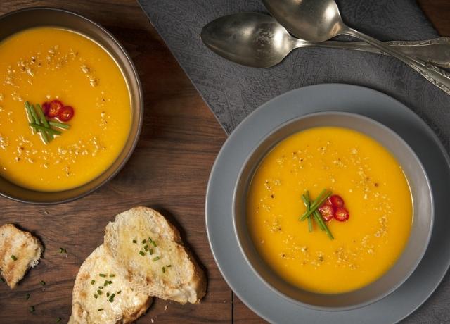 Vegán édesburgonya leves