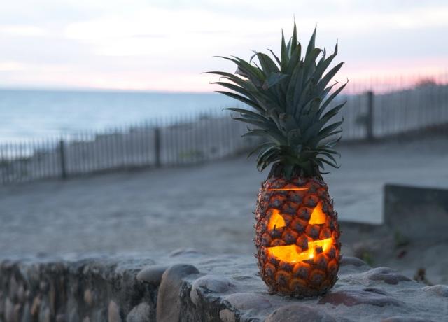 Az ananász az új tök, ha halloweeni lámpásról van szó