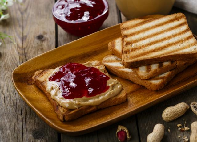 A mogyoróvajas-dzsemes szendvics története