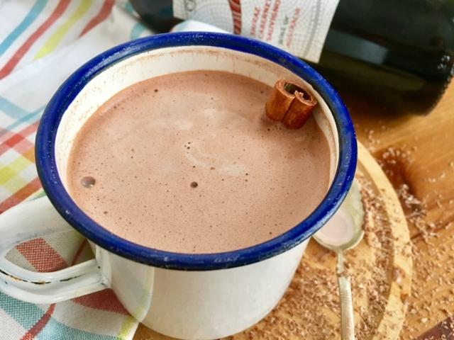 Vörösboros forró csoki