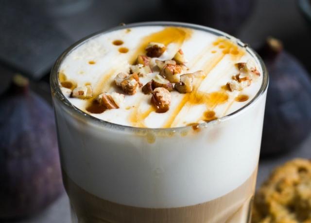 Gesztenyés-pralinés latte