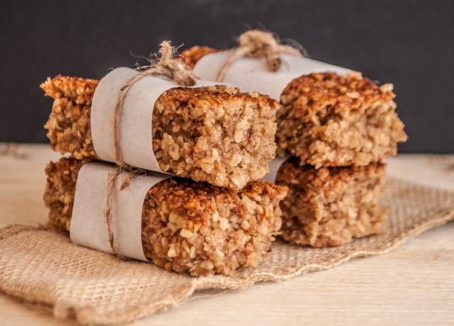 Egészséges reggeli egy kis extrával: Mézes gabonaszelet