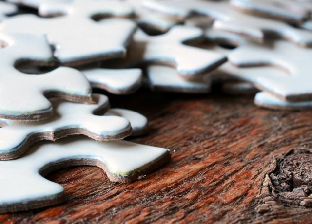 Készítsünk puzzle karácsonyfadíszt!