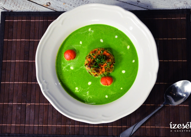 Spenótkrémleves zöldségfasírttal