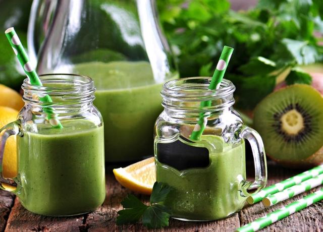 Zöld smoothie-val a ragyogó bőrért