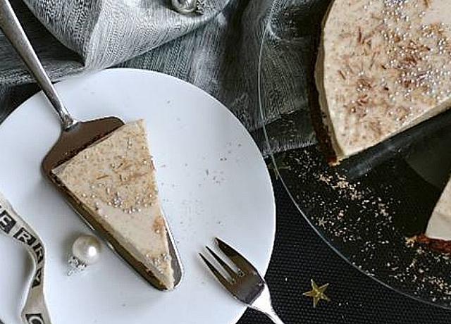 Íme az egyik legkülönlegesebb, legünnepibb desszert Szentestére:Tojáslikőr torta