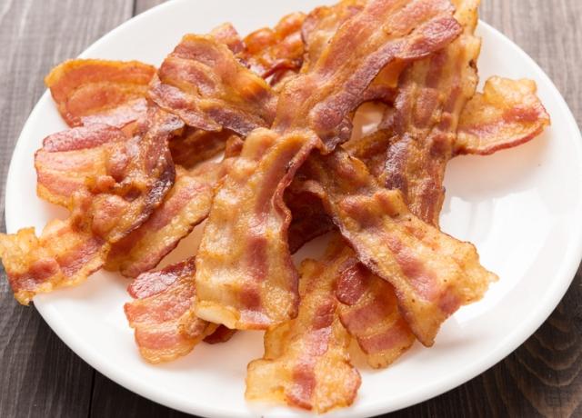 Így sütik a bacont a híres séfek