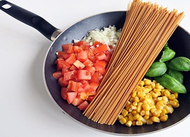 Egyszerű, gyors és finom: Serpenyős tészta