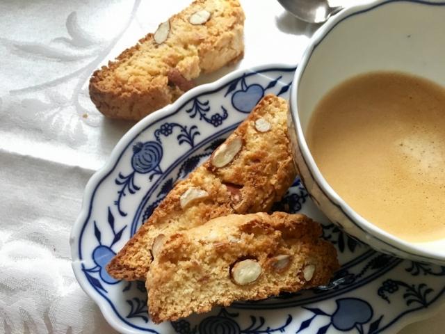 Ez a világ egyik kedvenc keksze (kávé és tea mellé a legtutibb!!)  és most mutatunk egy jó receptet is hozzá!