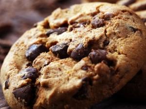 Ezzel az egy plusz hozzávalóval ezentúl tökéletes csokidarabos kekszet süthetünk