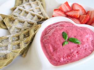 Ma van a felnőttek gyereknapja: éljen az együnk fagyit reggelire nap!! És az az igazi, ha mi készítjük el! Íme egy egészséges, gyors recept!