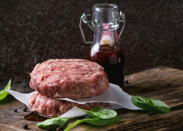 A hamburger és a grillsajtos szendvics közös gyermeke