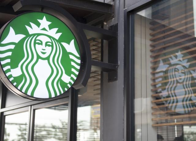 Új poharakban kínálja a kávét a Starbucks - rajzolni is lehet rájuk