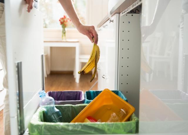 5 ok, amiért ne tartsuk szekrényben a konyhai szemetest